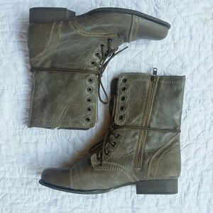 Steve Madden Troopa Combat Boots Stone Leather